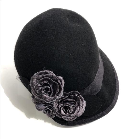 2d292fd1b24 NEW Nine West Hat Women s Felt Cap Rosettes Black